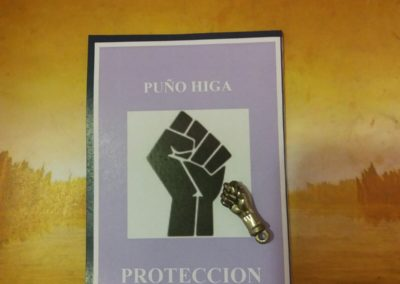 AMULETO PUÑO HIGA METAL